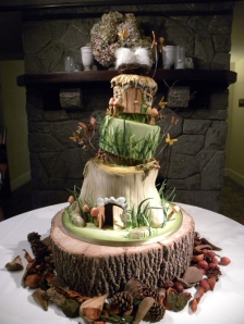 Hobbit-Wedding-Cake